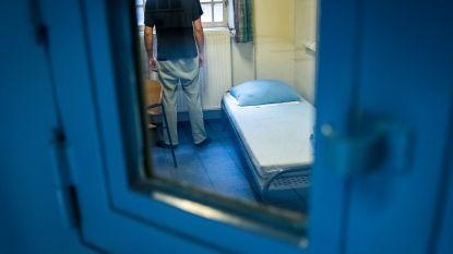 """Man met contactverbod stalkt ex vanuit cel, maar parket seponeert klacht: """"Bijzonder teleurstellend"""""""