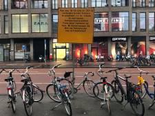 Eind aan fietsenchaos rond het Vredenburg: nog deze maand nieuwe rekken