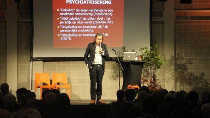 Dirk De Wachter trekt volle zaal met boeiende lezing