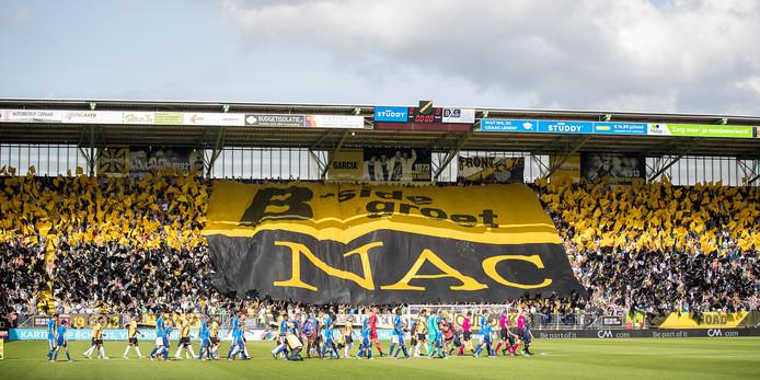 Het Rat Verlegh Stadion zal ook in de eerste divisie weer goed gevuld zijn.