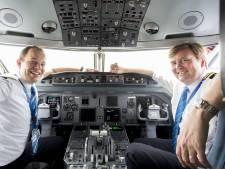 Uniek cockpitgesprek! Koning vliegt nieuw regeringstoestel naar Griekse vakantiezon