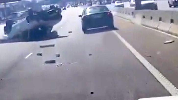 Automobilist rijdt door na heftig ongeluk