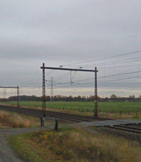 Jan streed jarenlang tegen onbewaakte spoorwegovergang, dinsdag werd zijn vrouw gegrepen door een trein