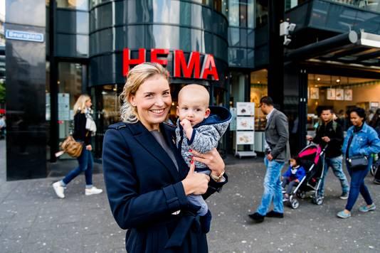 Linda Reemst, moeder van Bink: ,,Ik kleed Bink wel vaak in het blauw, wat als jongensachtig wordt gezien.''