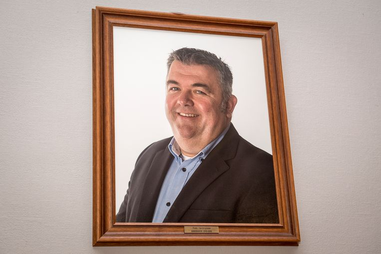 Het portret van Yves Vercruysse in de gemeenteraadszaal.