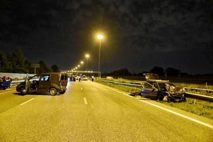 Ongeval op A16 met meerdere auto's.