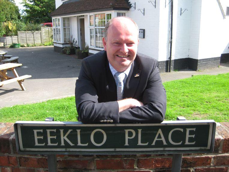 Koen Loete houdt van verbroedering. In 2008 bezocht hij Newbury in Engeland, waar er zelfs een Eeklo Place is.