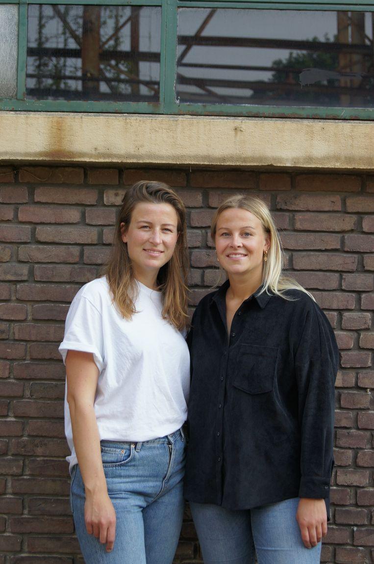 Natascha en Anouschka Hendriks bedachten duurzame badpakken en bikini's. Beeld