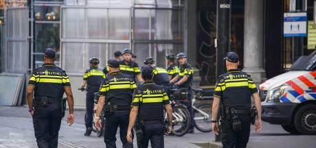 LEES TERUG   Elf demonstranten aangehouden, Den Haag leeg en stil tijdens Prinsjesdag