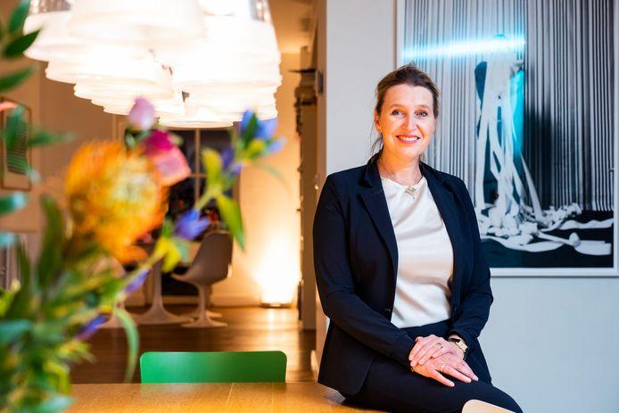 Hoogleraar kinder- en jeugdpsychiatrie Manon Hillegers van het Rotterdamse Erasmus MC staat aan het hoofd van een samenwerkingsverband dat bijna vijf miljoen euro heeft gekregen om apps te ontwikkelen voor chronisch zieke kinderen.