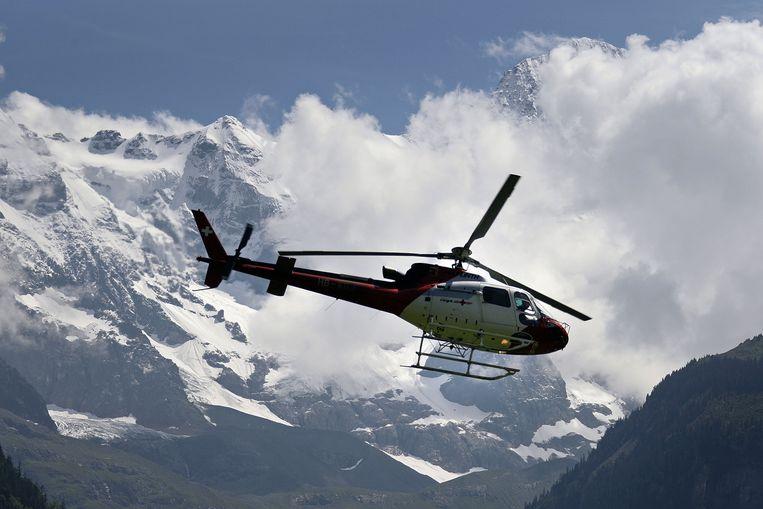 Illustratiebeeld van een Zwitserse reddingshelikopter.