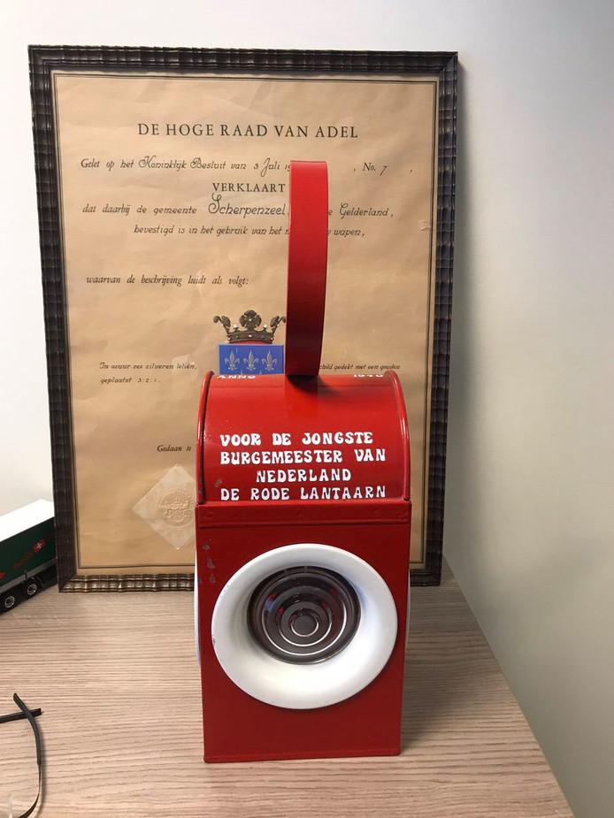 De Rode Lantaarn voor de jongste burgemeester van Nederland gaat naar Hanne van Aart (Loon op Zand)