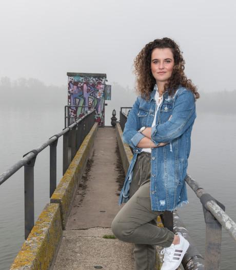 Wat gebeurde met Tessa van Driel (18) nadat naaktfoto de school rondging?