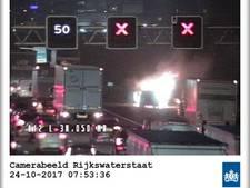 Brandend voertuig op A12 bij Nieuwerbrug, rijstroken vrijgegeven
