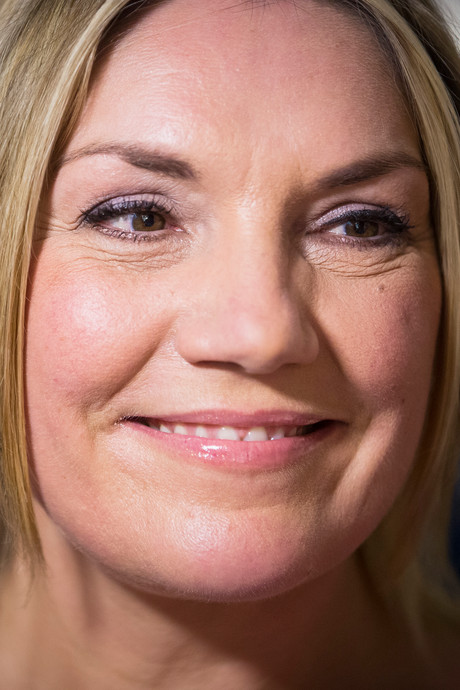Presentatrice Gallyon van Vessem neemt 'met brok in de keel' afscheid van Hart van Nederland en kijkers