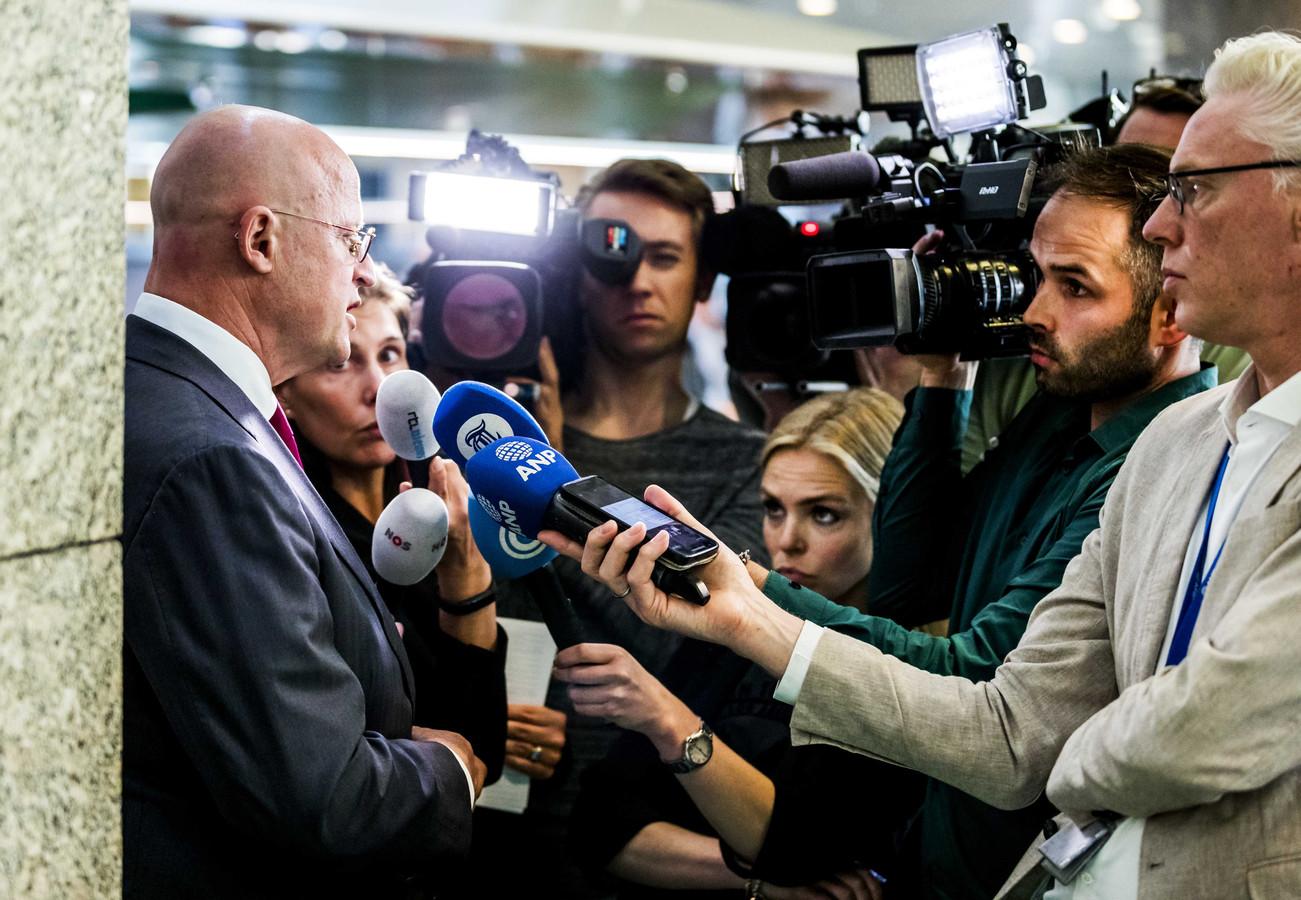 Ferd Grapperhaus, minister van Justitie, tijdens het wekelijkse vragenuur.