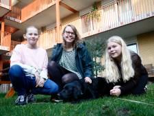 Buren Pascalle (27), Polly (12) en Esmee (11) zijn onafscheidelijk: 'Met z'n drieën is het altijd leuk'