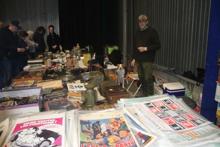Ruim 1.800 bezoekers op twintigste editie grote brocanterie indoor. Standhouder André was er al sinds het begin bij.