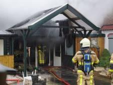 Schuur met sauna in brand in Aalten