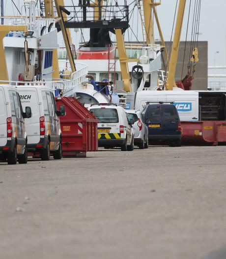 Douane onderzoekt nog drie vissersboten uit Urk
