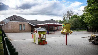 """Derde COVID-19-besmetting in stedelijke basisschool De Hoeksteen: """"Alle personeelsleden worden nu getest"""""""