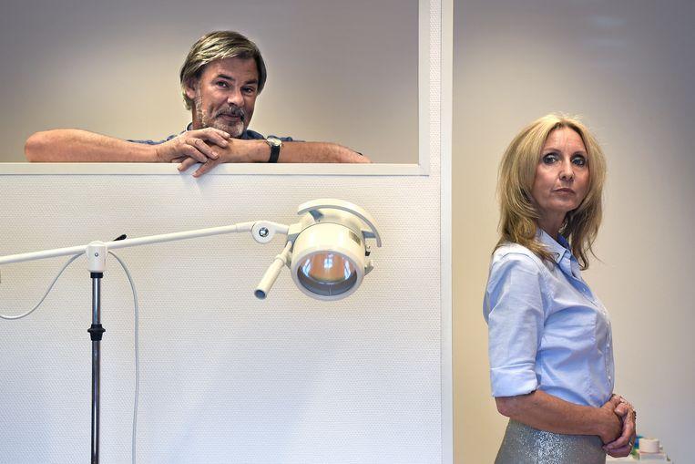 Studentenhuisarts Cees Jansen en praktijkondersteuner Saskia Schipper. Beeld Marcel van den Bergh
