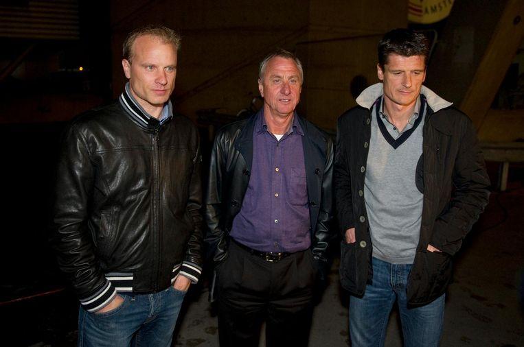 De fluwelen revolutie begon met Dennis Bergkamp, Johan Cruijff en Wim Jonk in de hoofdrol. Beeld ANP