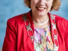Burgemeester Anneke Raven plant eigen boom