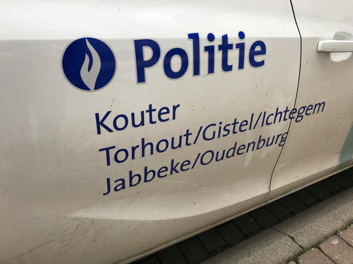 De politie Kouter zette de dronken bestuurder aan de kant.