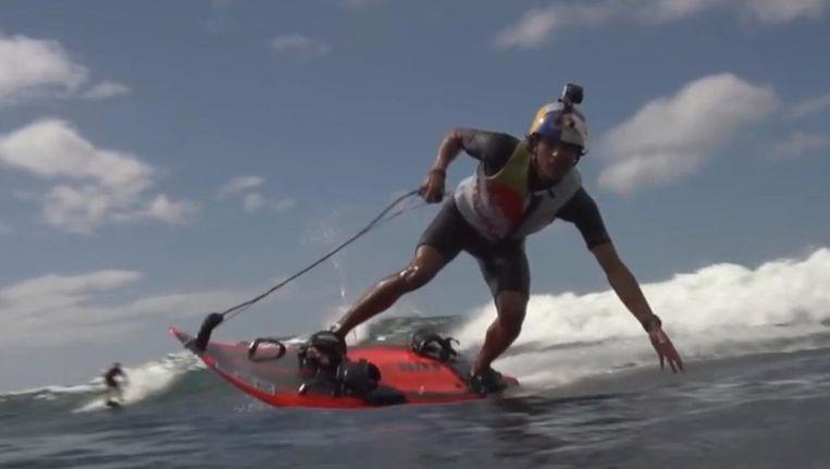 Jetsurfen op Hawaï Beeld YouTube