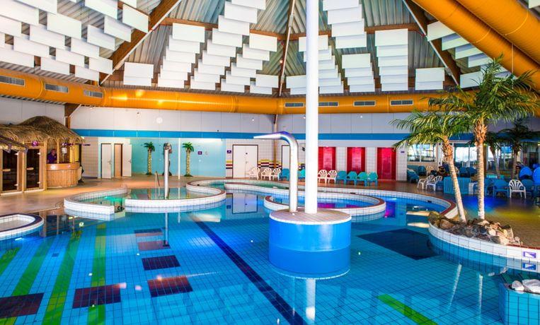 Zwembad De Fakkel : Pop up redactie naar zwembad in ridderkerk trouw