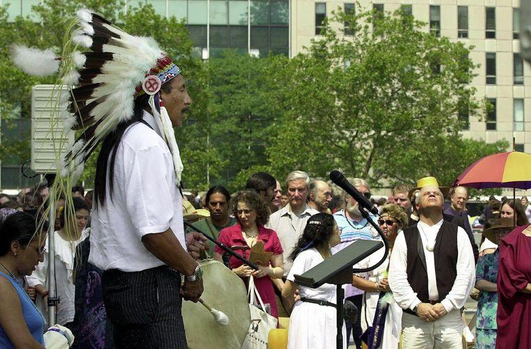 Een bijeenkomst van indianen in New york. Op de foto: Chief Arvol Looking Horse Beeld anp