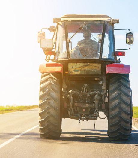Chauffeur bedrijfsbus slaat tractorbestuurder in elkaar bij Oudleusen