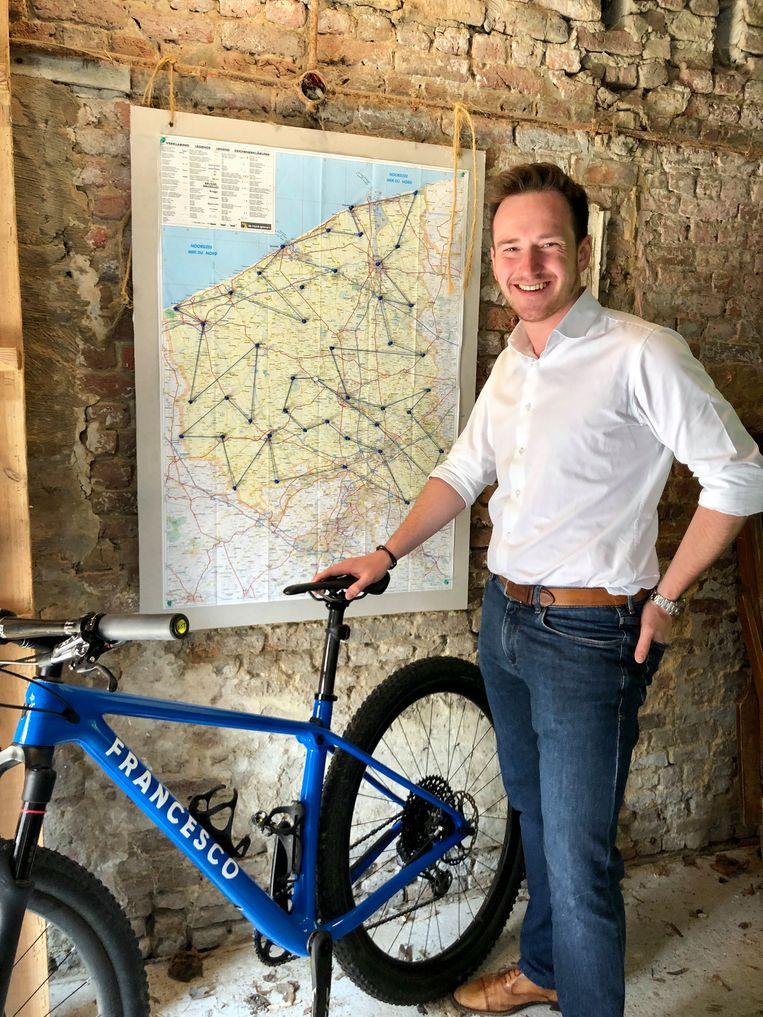 Francesco Vanderjeugd fietst volgende week alle 64 West-Vlaamse gemeenten aaneen.