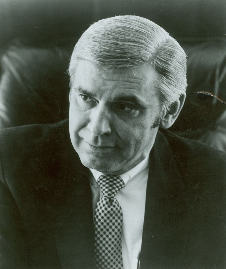 Congreslid Leo Ryan.