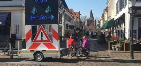 Elburg stampt coronaregels erin bij winkelend publiek