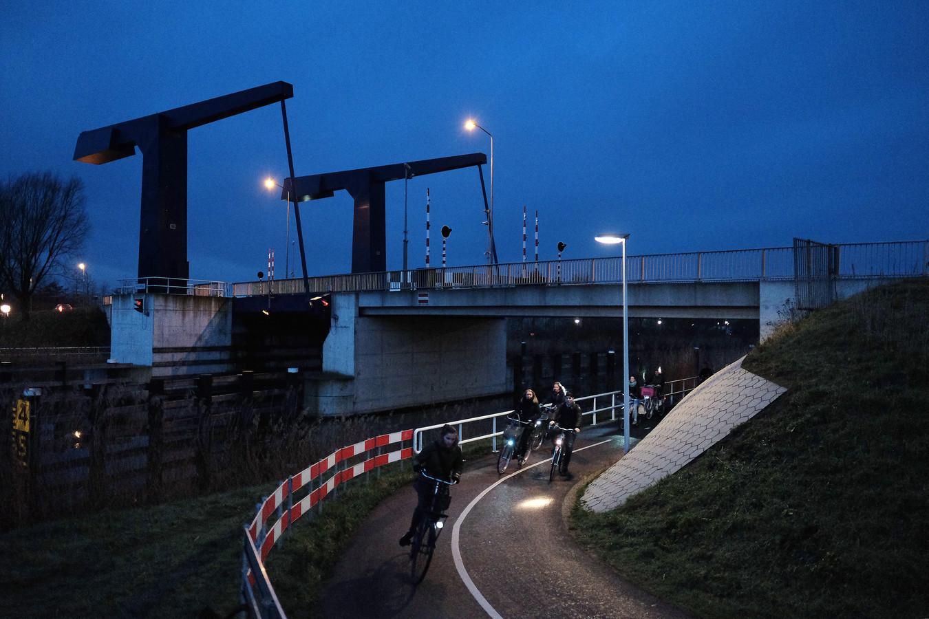 De bedieningstijden van de vijf Doetinchemse bruggen over de Oude IJssel worden aangepast.