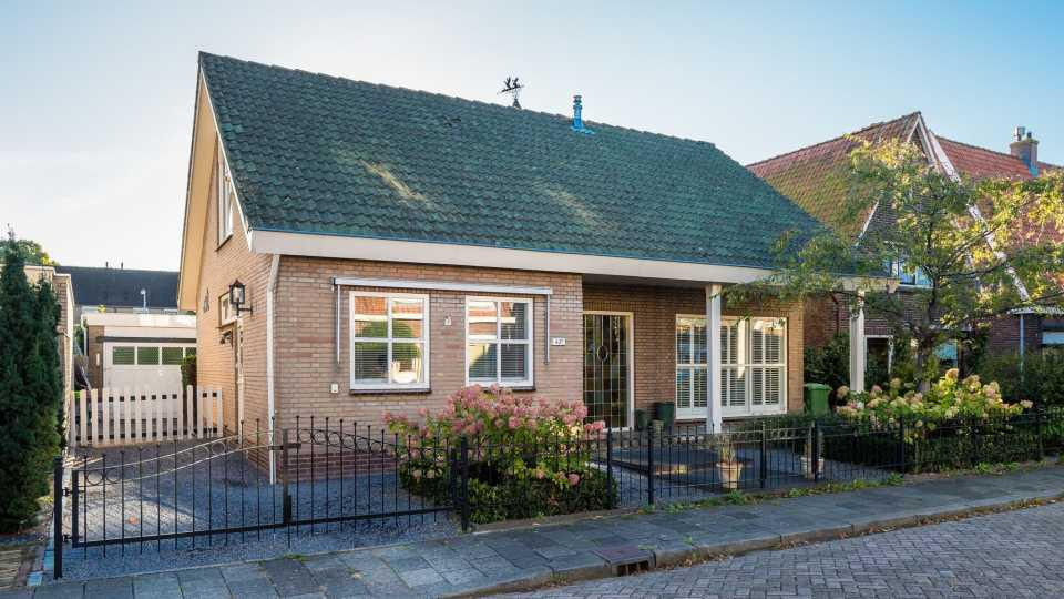 Jandino asporaat zet huis in ridderkerk te koop foto - Kroonluchter huis van de wereld ...
