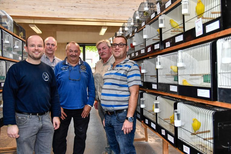 Stijn Elebaut (links) met nog enkele leden van de organisatie