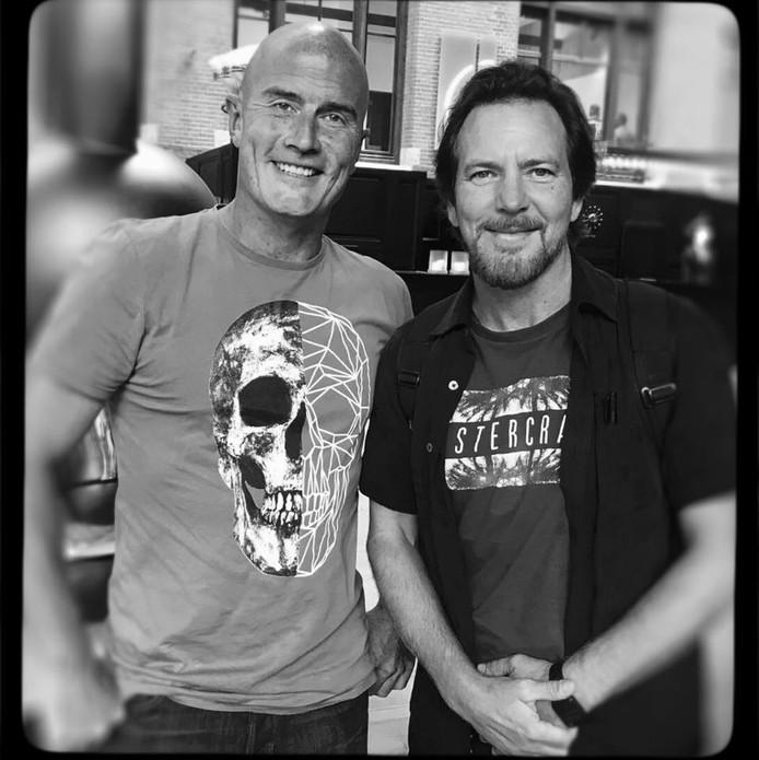 Sjors van Bree uit Valkenswaard met Eddie Vedder, zanger van Pearl Jam.