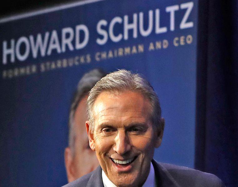 Voormalig Starbucks-topman Howard Schultz onlangs tijdens een bijeenkomst waar hij sprak over zijn nieuwe boek.  Beeld null