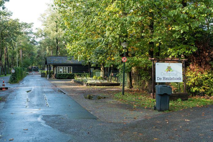 De entree van camping Heidehoek wordt nu alleen gebruikt door de arbeidsmigranten die op het park verblijven.