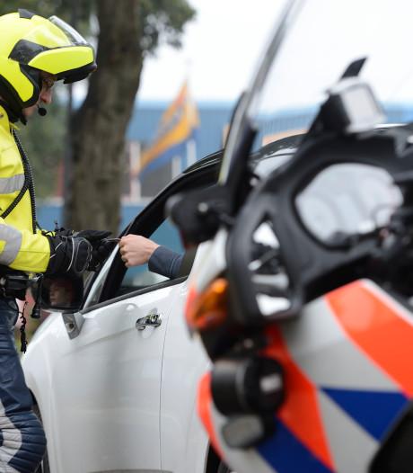 Bestuurder rijdt veel te hard en raakt rijbewijs kwijt in Ane
