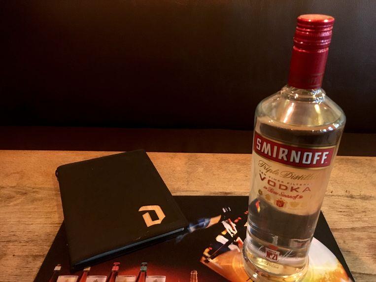 Een fles Vodka Smirnoff