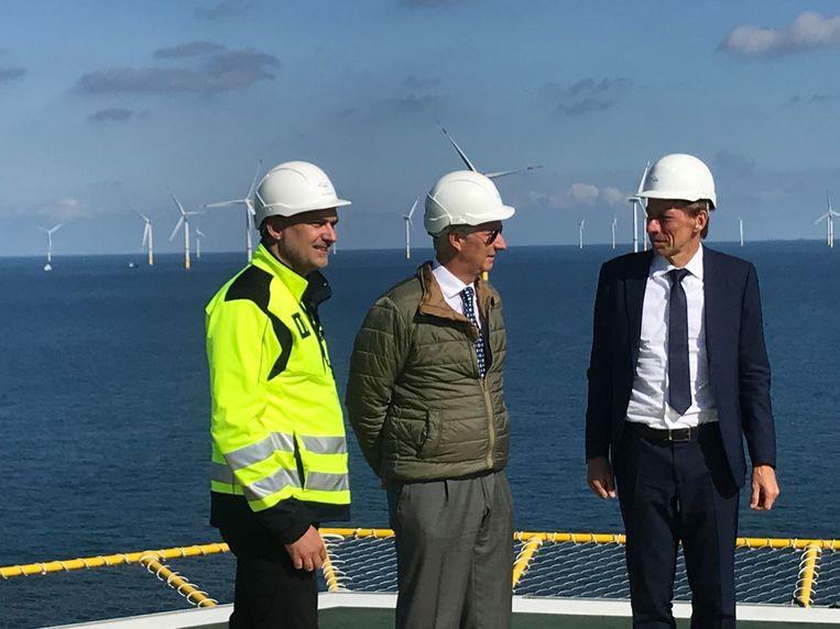 Koning Filip bezoekt het schakelplatform op de Noordzee.