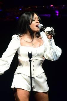 """La chanteuse Azealia Banks se filme en train de cuisiner son chat mort: """"Elle a besoin d'aide"""""""