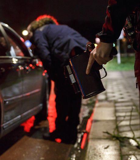 168 waar je 80 mag: rijbewijzen ingenomen bij straatrace in Arnhem