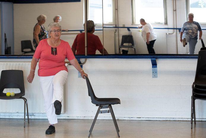 40 jaar geleden begon mevrouw Annie Swaans met het begeleiden van een gymclubje. Dit doet ze, nu op 88-jarige leeftijd, nog steeds. Alleen omdat steeds meer anderen vanwege hun leeftijd afhaken is ze op zoek naar aanwas.