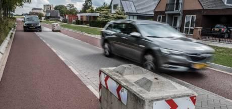 Met ruim 90 langs de betonblokken in Cuijk: 'Hier wordt veel te hard gereden'