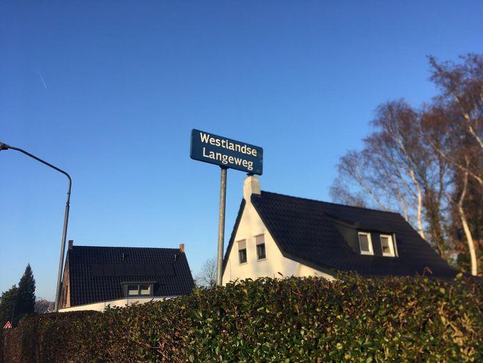 Het onderzoek van de politie vindt plaats aan de Westlandse Langeweg in Steenbergen